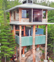 Mind-Blowing Modern Tiny Tree House Built with Reclaimed Materials – FULL TOUR
